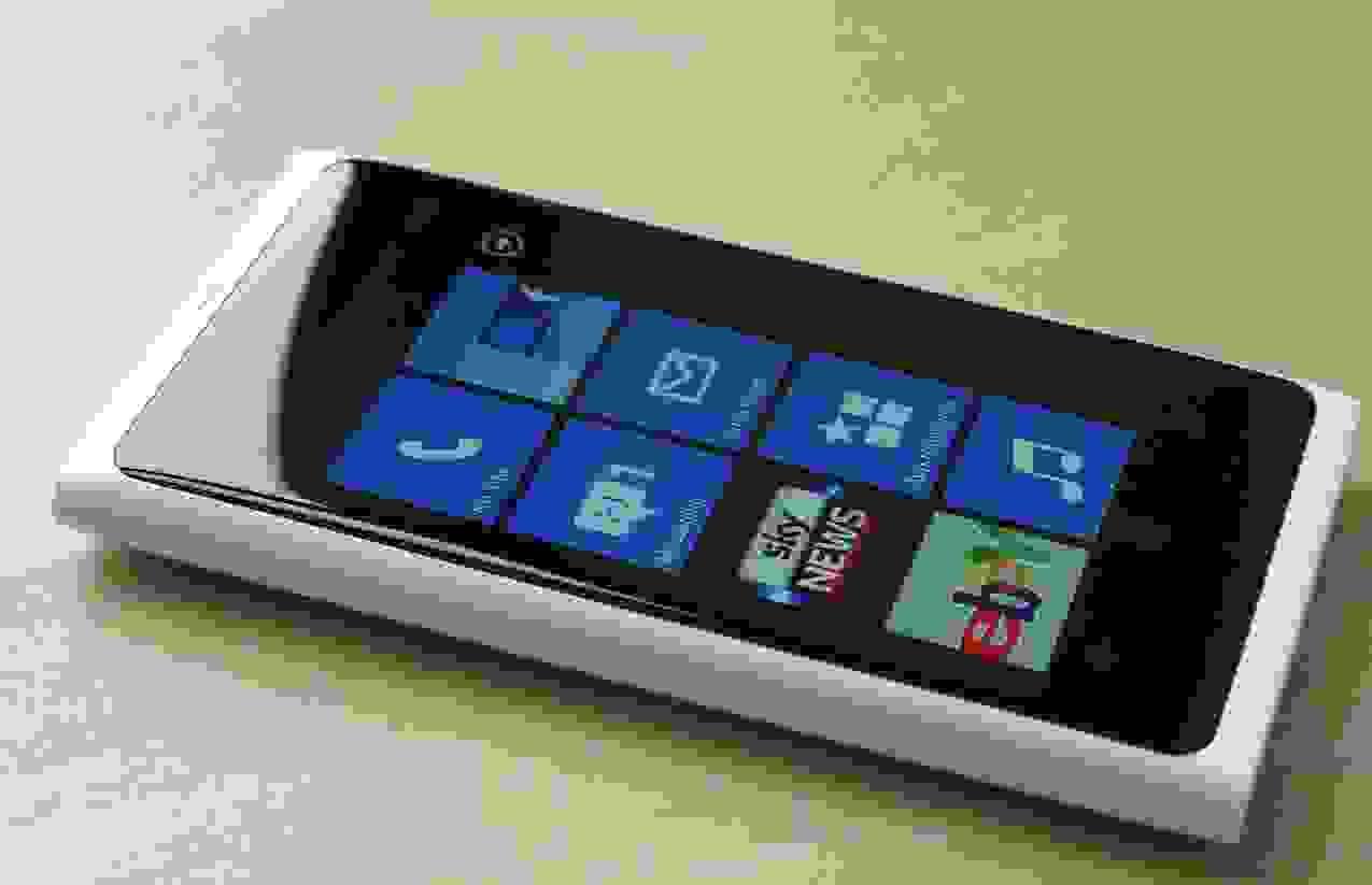 Nokia Lumia 800 in offerta Mediaworld a 183 € dal 24 gennaio!