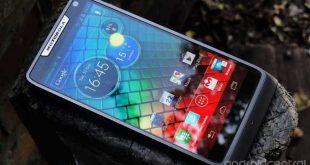 Motorola RAZR i – Inizia il roll out di Jelly Bean – Si parte dalla Francia