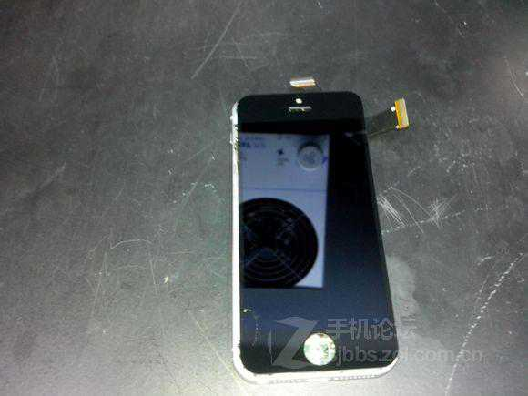 Rumor: Ecco le prime foto del nuovo Apple iPhone 5s ?