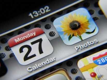 Anche Apple esplora la possibilità degli schermi flessibili