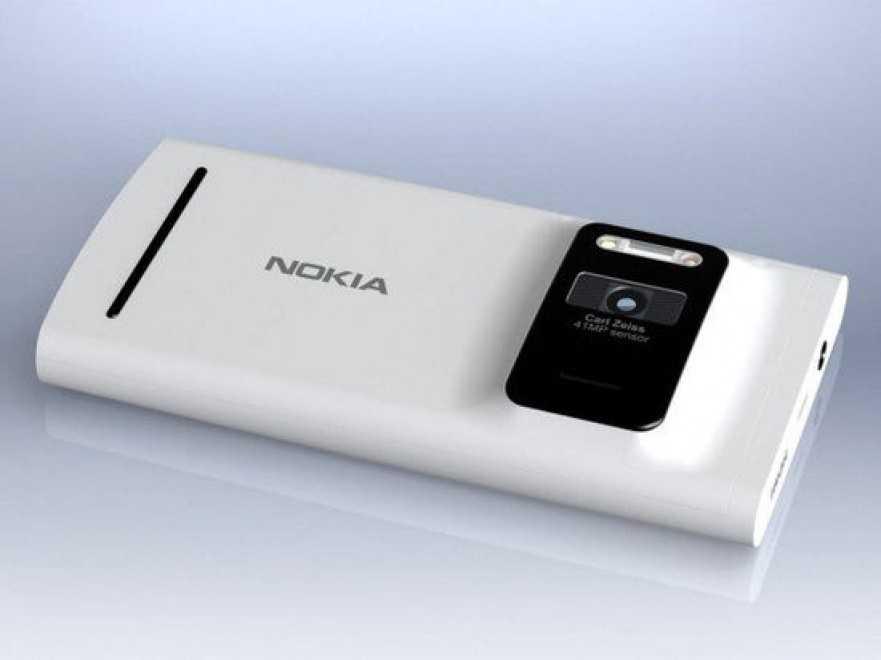 Nokia EOS nuova foto mostrata accanto a una Lumia 920