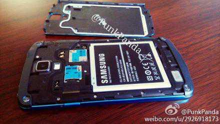 Samsung Galaxy S4 Active in Blu artico