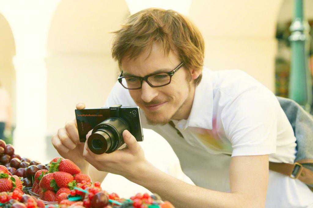 Sonys-interchangeable-lens-for-Android-and-iOS-devices-3