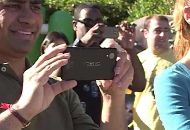 """Sito ufficiale Nexus modificato da Google: """"Phones"""" al plurale?"""
