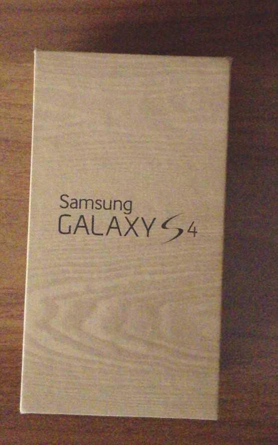 Samsung Galaxy S4 Box