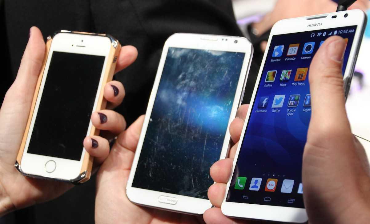 Huawei Ascend Mate 2: il phablet che ricarica gli altri smartphone!