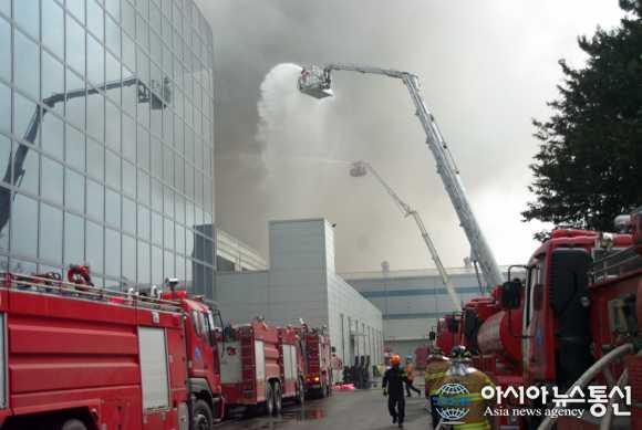Scoppia un incendio nelle fabriche parner di Samsung, a rischio una parte di produzione del S5?