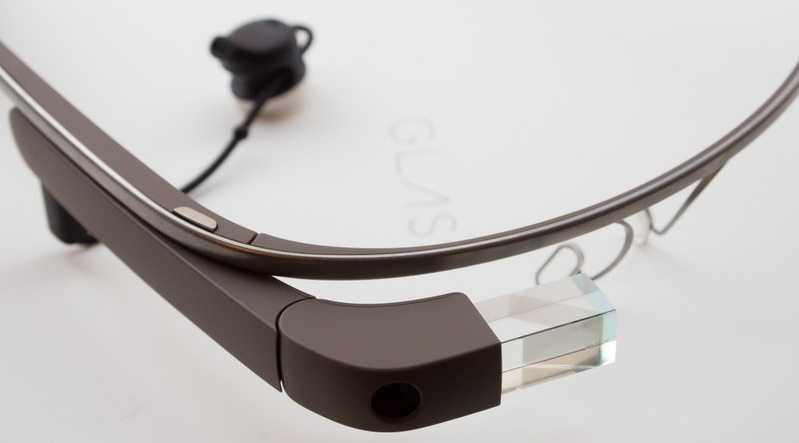 Google Glass ora sincronizza le foto con lo smartphone