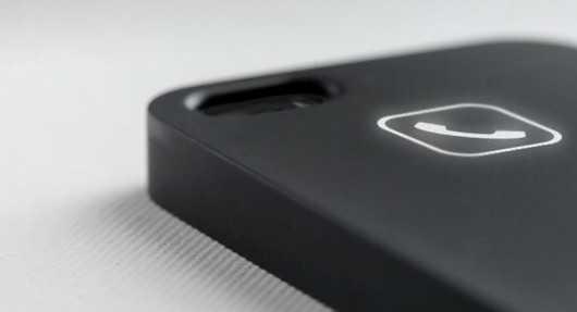 Ecco una cover per iPhone che utilizza l'energia elettromagnetica per mostrare le notifiche sul retro