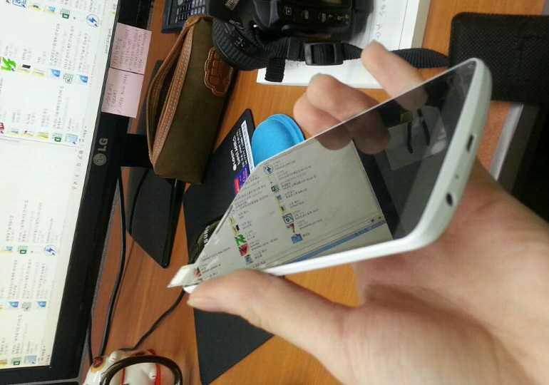 LG G3   Arrivano nuove immagini della scocca unibody bianca