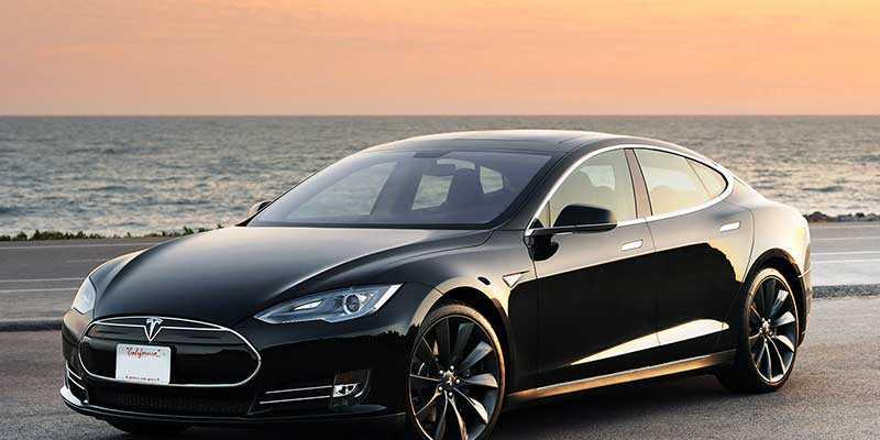 Tesla: in Germania non potrà utilizzare il termine 'Autopilot', ecco perché
