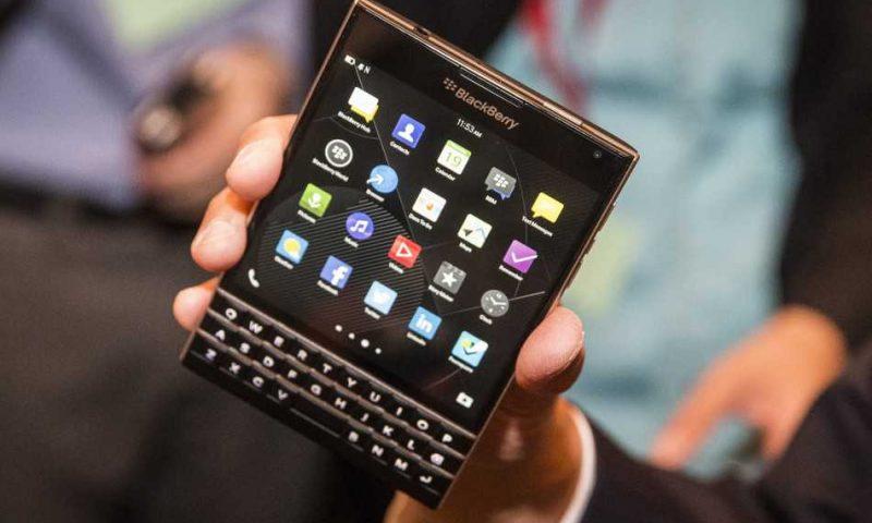 BlackBerry Passport da domani in commercio a 599 dollari