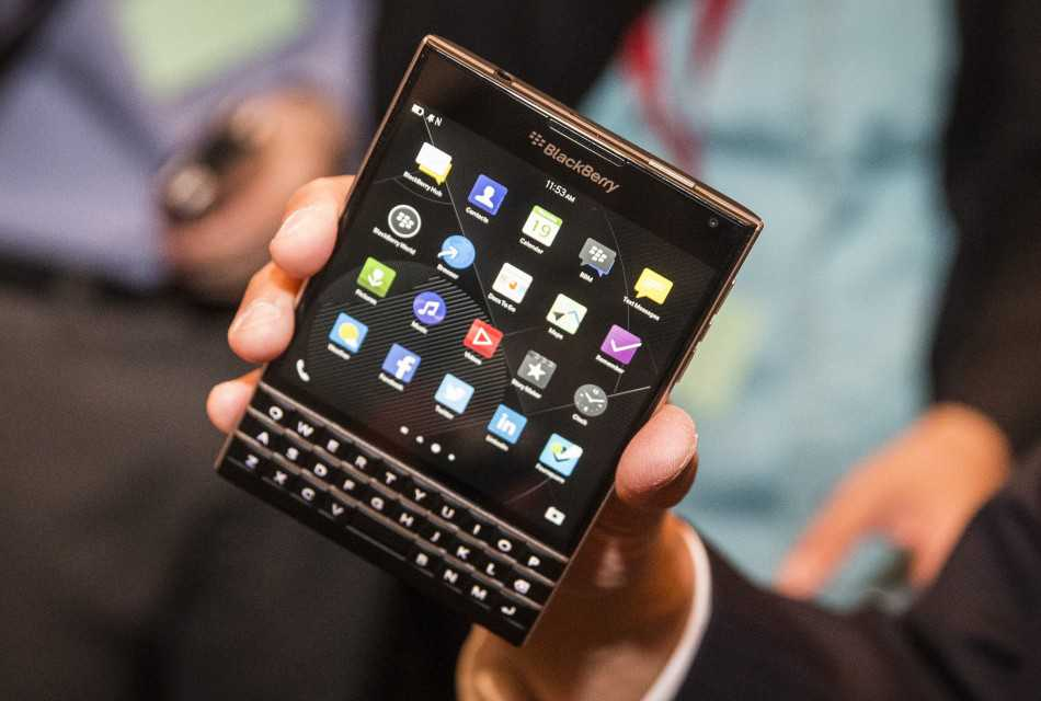 BlackBerry Passport da domani in commercio a 599 dollari