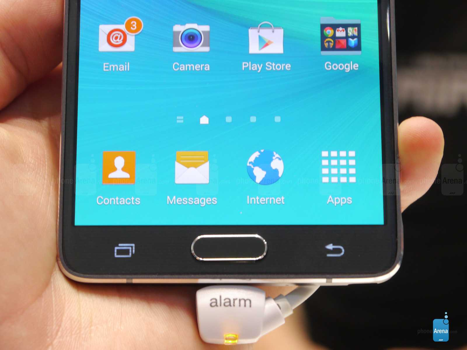 Fingerprint-scanner-in-the-home-button