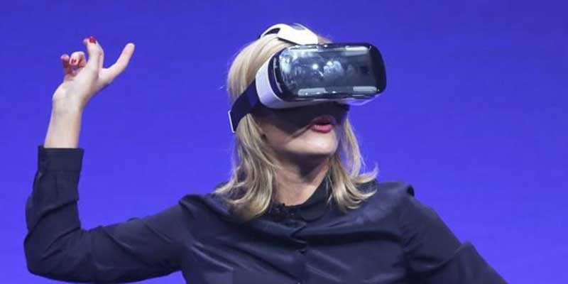 Samsung Gear VR, il dispositivo che porta la realtà virtuale è ufficiale