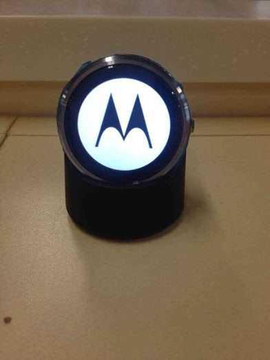 Arrivano le immagini ufficiali del Moto 360 direttamente dall'evento stampa di Motorola!