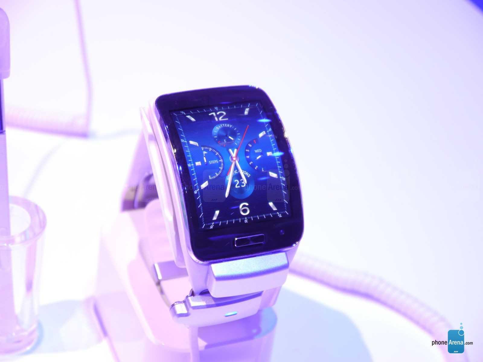Samsung Gear S: come indossare uno smartphone al polso
