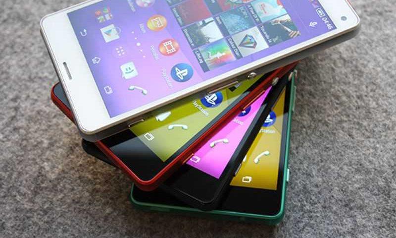 Ecco le prime immagini ufficiali del Sony Xperia Z3 Compact in quattro differenti colorazioni