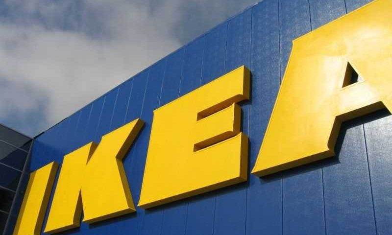 Ispirandosi ad Apple arriva il  nuovo catalogo IKEA 2015 !