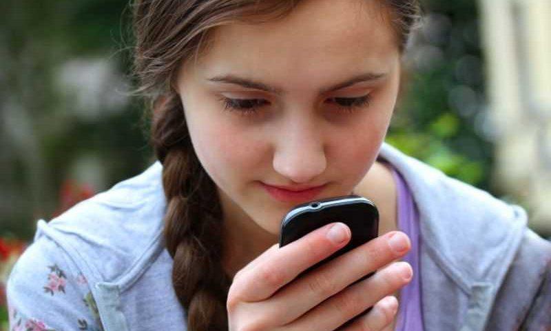 Navigare sul Web senza connessione dati tramite SMS per i paesi in via di sviluppo!