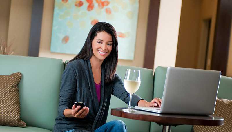 Reti Wi-Fi hotel truffa, rubano la password