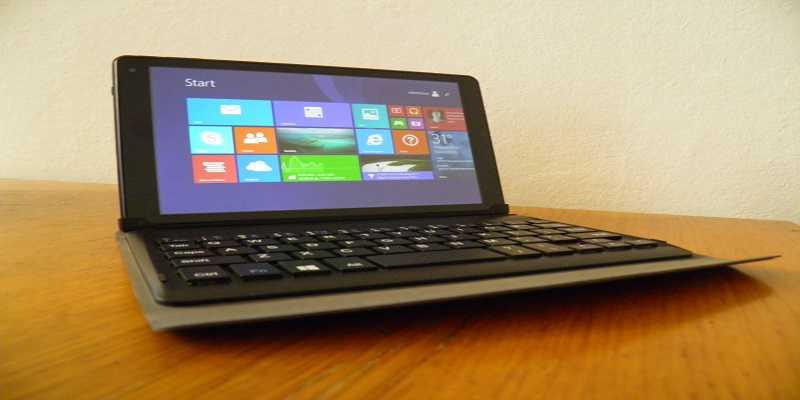 Yashi TabletBook Mini A1: arriva un nuovo tablet-netbook con a bordo Windows 8