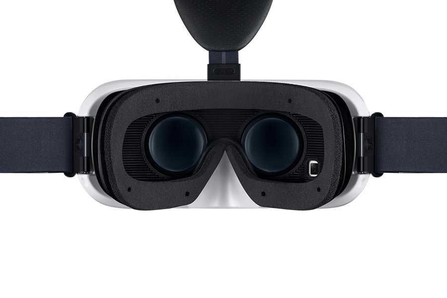 Galaxy Note 4 con Gear VR, bundle con realtà virtuale da Samsung