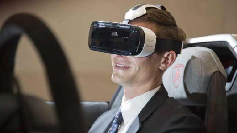 Samsung e Lamborghini in collaborazione per un'esperienza di guida virtuale