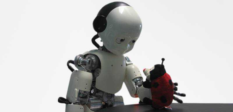 Robot in aiuto agli anziani, il futuro è in un progetto CE
