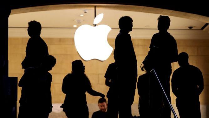 App Store ed iTunes si bloccano per 4 ore, poi Apple risolve