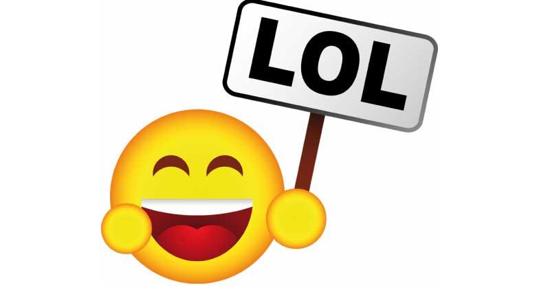 Facebook: addio al vecchio e caro LOL, spazio alle emoticons