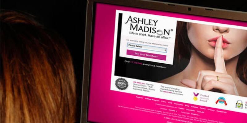 Ashley Madison, attacco hacker sfocia in 3 suicidi, denunce e taglie