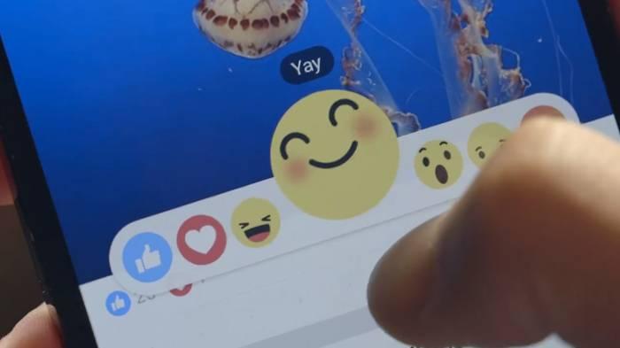 """Facebook Reazioni: parte da oggi la rivoluzione, al classico """"Mi Piace"""" si affiancano 6 nuove icone"""