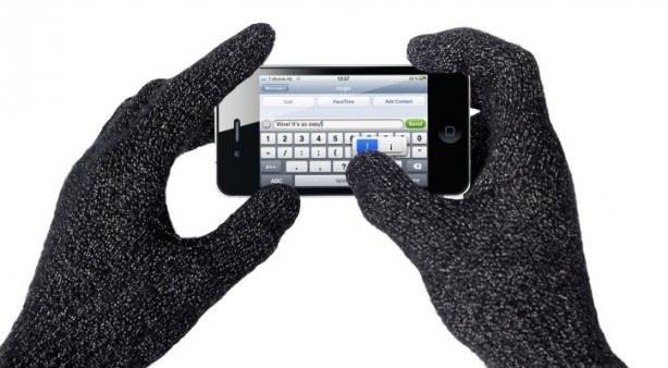 Nuovo brevetto Apple: Touchscreen funzionante anche con i guanti su iPhone 7