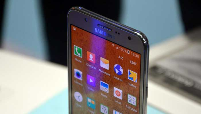 Nuovi aggiornamenti software Samsung Galaxy J5 e altri (28 dicembre)