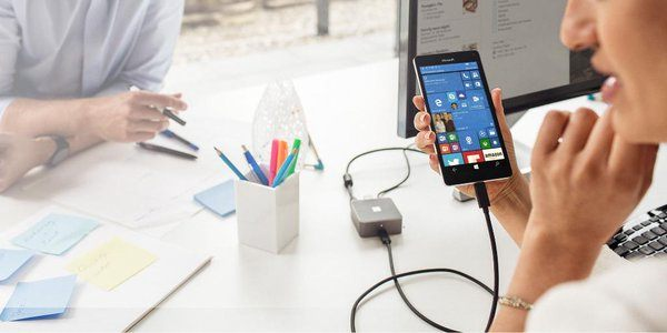 Microsoft ritarda la consegna della Display Dock e offre 20€ di buono