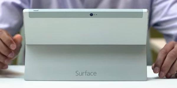 Surface Phone prende vita in un nuovo concept con penna e tastiera
