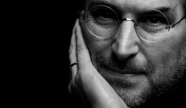 Un nuovo libro rivela che Steve Jobs avrebbe voluto un pulsante back per iPhone
