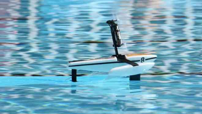 Parrot Hydrofoil, il minidrone per un'estate tecnologica e divertente