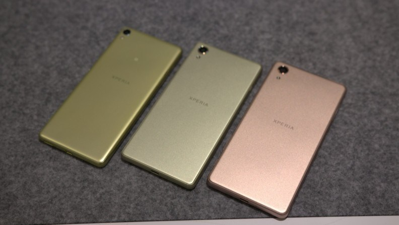 Migliori smartphone – Sony Xperia X vs Apple iPhone 6s: confronto con foto!