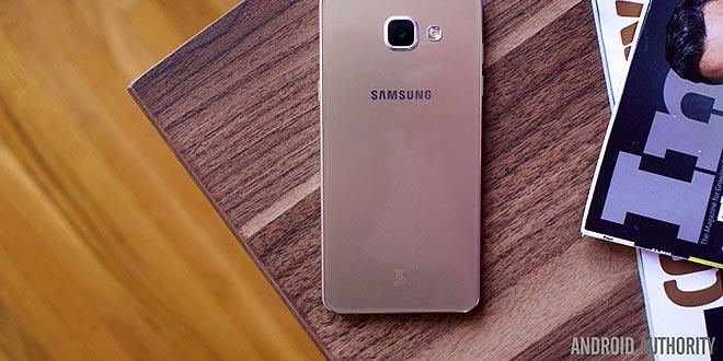 Samsung Galaxy A5, anche il primo modello potrebbe ricevere Android 7.0 Nougat
