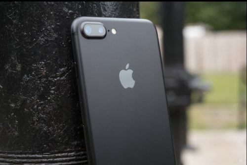 """""""Nessun Servizio"""" su iPhone 7? Apple lo sostituisce"""