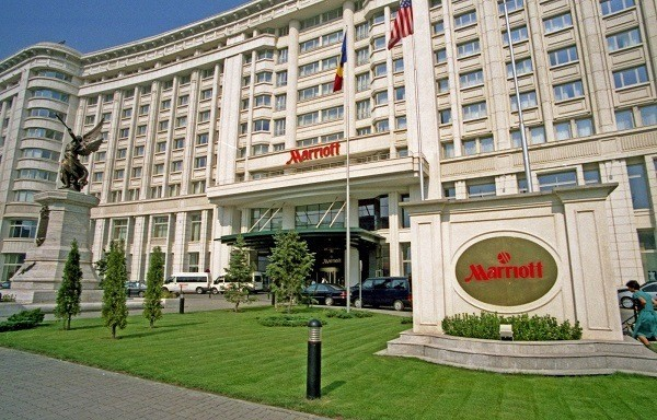 """Marriot, la prima catena di alberghi """"social"""" col tasto Like"""
