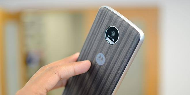 Moto Z Play, attesa finita: Android 7.0 Nougat in roll-out in Europa
