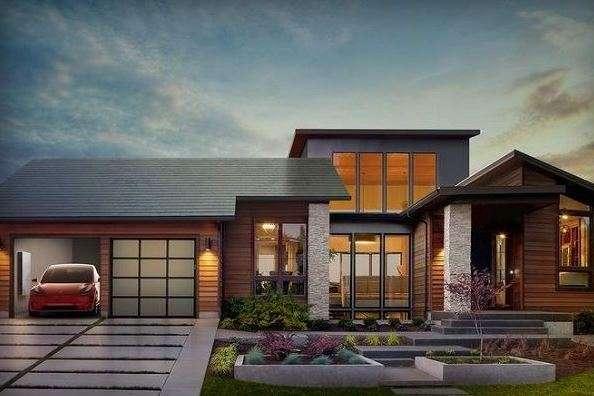 """Tesla, non solo macchine: nel 2017 venderà anche tetti solari """"smart"""""""