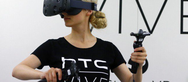 Da HTC arriva un innovativo visore VR compatibile Con HTC U Ultra
