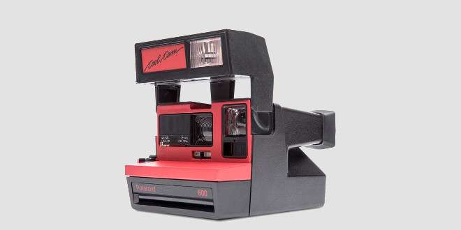 Impossible 600 Cool Cam Red: Polaroid reinventa le Instant Cam