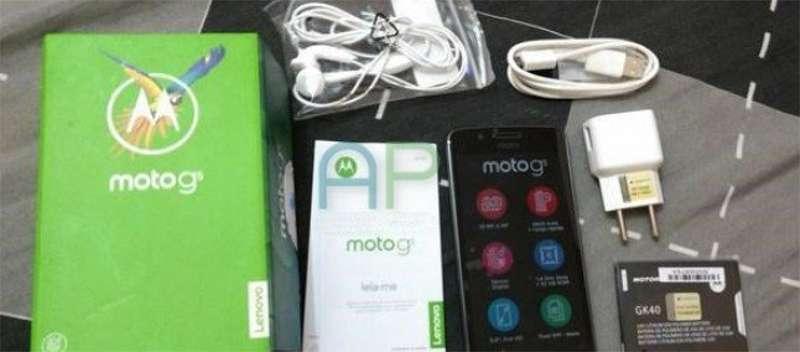 Lenovo Moto G5, la confezione di vendita con tutti gli accessori in nuove immagini