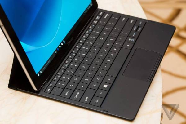 Samsung Galaxy TabPro S2: ecco le specifiche del nuovo tablet con Windows 10