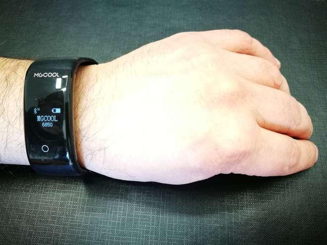 Recensione MgCool Band 2: lo smartband economico rivale di Xiaomi Mi Band 2